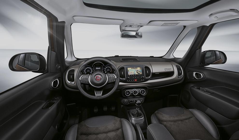 500L-rent-a-car-beograd-enterijer