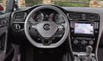 VW-Golf-7-rentacar-beograd-unutrasnjost